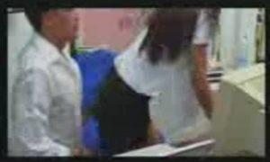 เด็ดเลย!!!หลุดนักเรียนสาวพานิชสุดน่ารักโดนเพื่อนหลอกมาสวิงกิ้งเย็ดที่หอรุมล่อสองรูแหกปากร้องดังลั่นโคตรสะใจอ่ะ หลุด